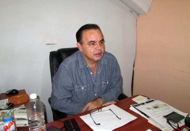 El regidor Jorge Dogre Oramas, ayer en rueda de prensa. (Martha Chan/SIPSE)