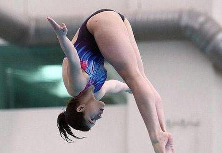 La mexicana Dolores Hernández quedó en tercer lugar en la prueba de trampolín de tres metros en el Mundial de Rusia. (Conade)