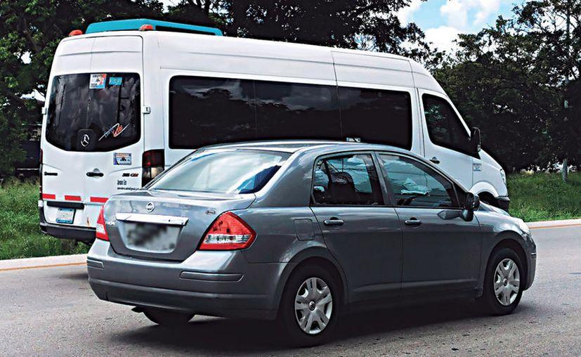 Piden que las autoridades estatales apliquen la Ley como sucede en otros estados que prohíben la circulación de unidades Uber y Didi. (Daniel Sandoval/Novedades Yucatán)