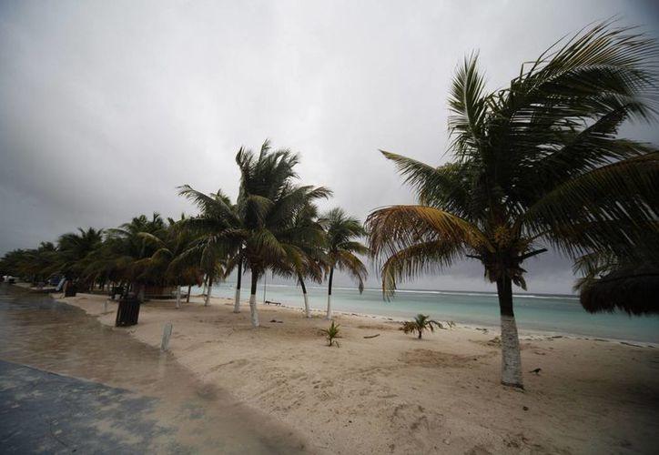 El huracán Danny se localizaba el sábado por la mañana a 1060 kilómetros al este de las Islas de Sotavento. (Archivo/EFE)