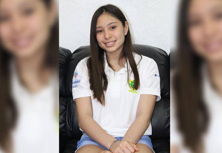 Dalia de Jesús Alcocer Piña se prepara para cumplir sus sueños deportivos.  (Novedades Yucatán)