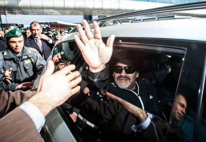 Diego Armando Maradona regresa a Nápoles tras siete años y medio de ausencia. (Agencias)