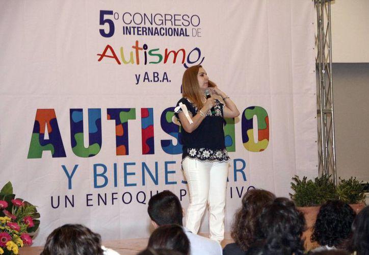 """""""El Cotti de Monterrey es la primera y única escuela de iniciación deportiva para niños con autismo"""", dijo Claudia Barroso. (Milenio Novedades)"""