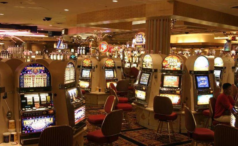 Cierran paso a solicitud de licencias para casinos. (andador.mx)