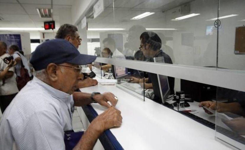 El ahorro voluntario creció 27 por ciento entre 2014 y 2015, para alcanzar siete mil 300 millones de pesos. (Archivo/SIPSE)