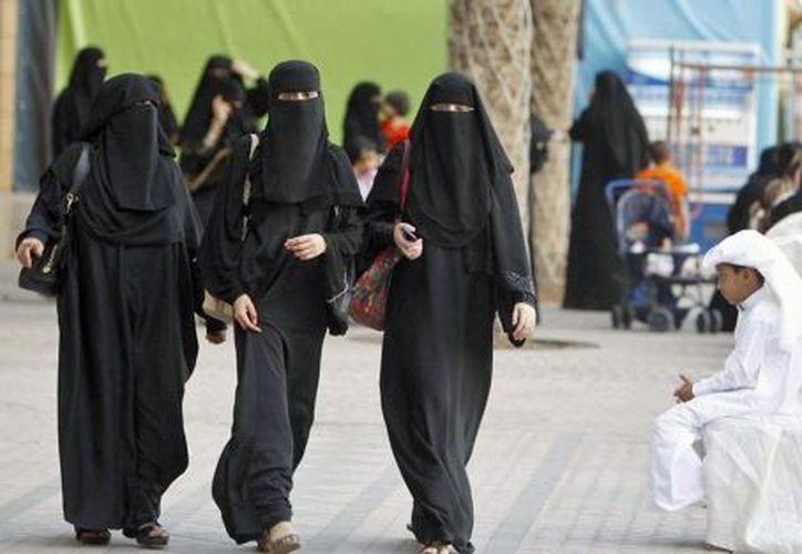 El príncipe Mohamed bin Salman quiere insertar a las mujeres en la vida económica del reino saudí (Mundo).