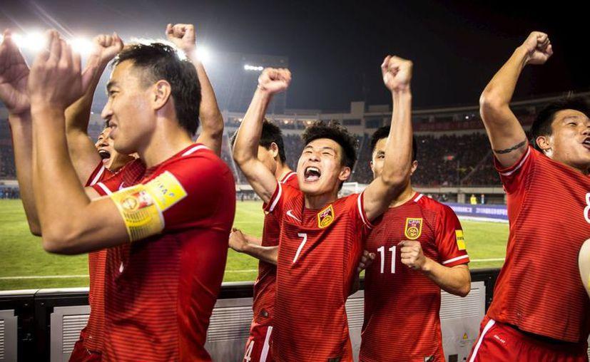 Si China organiza el torneo en 2030 ó 2034, sería apenas la tercera vez que una nación asiática hospede el certamen. (Reuters)