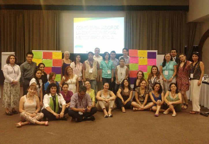 Encuentro de Embajadores por la Educación Sexual, dirigido a representantes de los medios de comunicación. (Milenio Novedades)