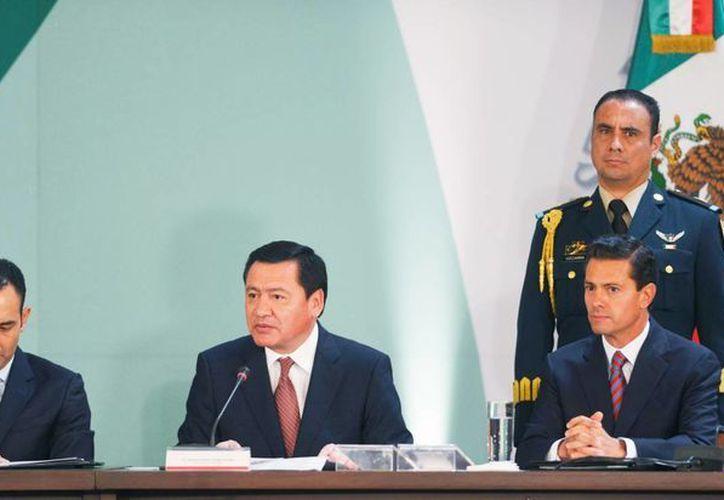 Osorio Chong dijo que la violencia ha repuntado en algunas regiones del país y es urgente combatir ese flagelo. (Presidencia)