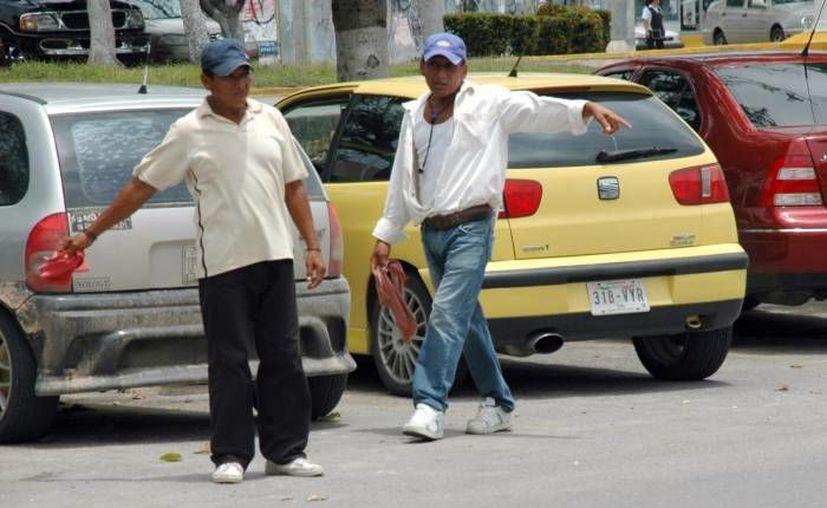 """Dentro de las avenidas principales donde se """"limpió"""" de franeleros fueron en la Tulum, Cobá, Yaxchilán la Náder y parque de las Palapas. (Tomás Álvarez/SIPSE)"""