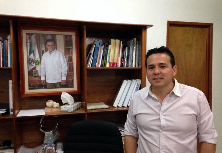 El director del IYEM, Héctor Miguel Enríquez López, anunció el evento  para motivar a los jóvenes emprendedores de Mérida. (Milenio Novedades)