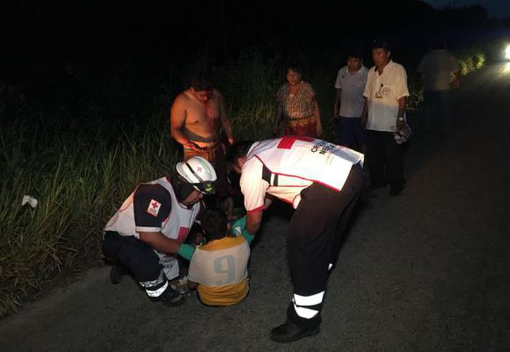 Una mujer, quien viajaba con siete personas más en un Jetta que volcó tras ser chocado el sábado por la noche, falleció. (Redacción/SIPSE)