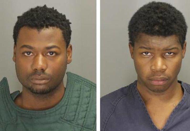 Nikey Dashone Walker y Shadeed Dontae Bey fueron arrestados después de golpear y asaltar a un hombre con parálisis cerebral. (Sheriff del Condado de Oakland)