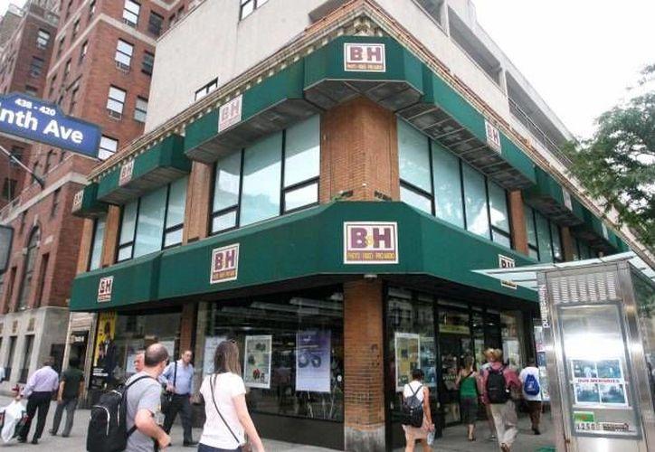 A principios de febrero, la misma tienda de B&H recibió una multa por no tener barreras de protección en plataformas elevadas del almacén. (Robert Miller/nypost.com)