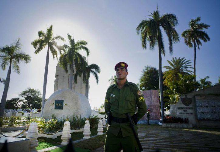 Es la primera ocasión en que Cuba celebra sin Fidel Castro el aniversario de su Revolución. (AP/Ramon Espinosa)