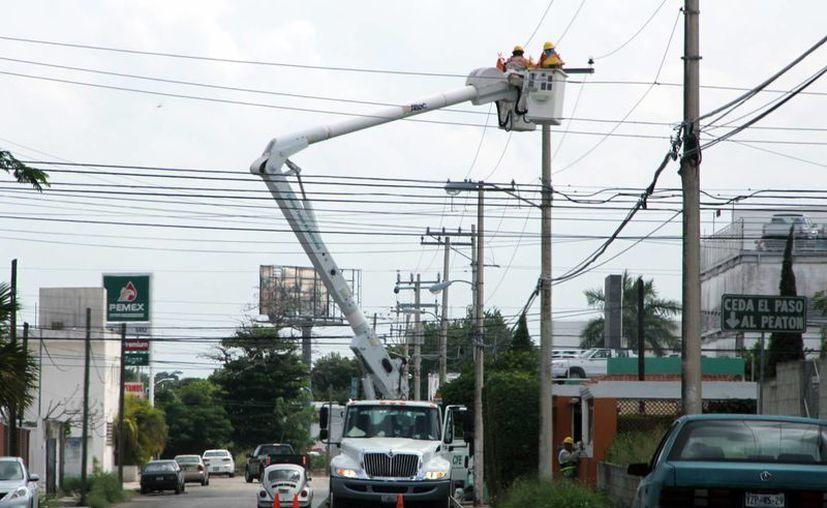 Hace décadas la tarifa de la luz aumentó por la electrificación del sureste. (Milenio Novedades)