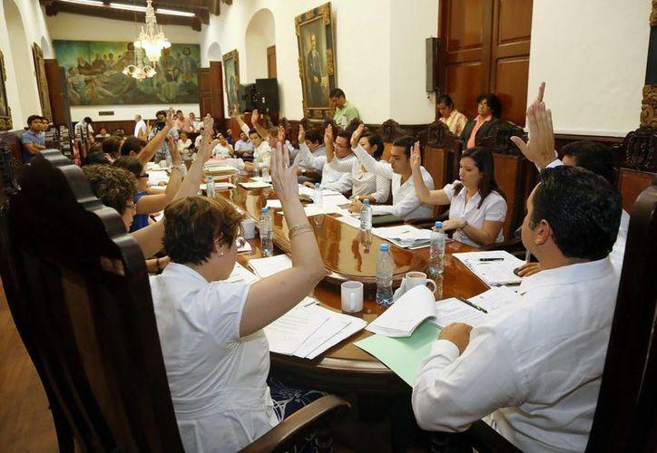 En 2011, el Cabildo aprobó comprar 72 mil lámparas ahorradoras. (SIPSE)