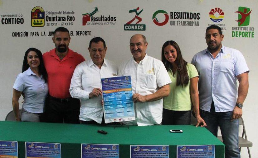 Integrantes de la mesa directiva de la AQFF durante una conferencia de prensa. (Raúl Caballero/SIPSE)