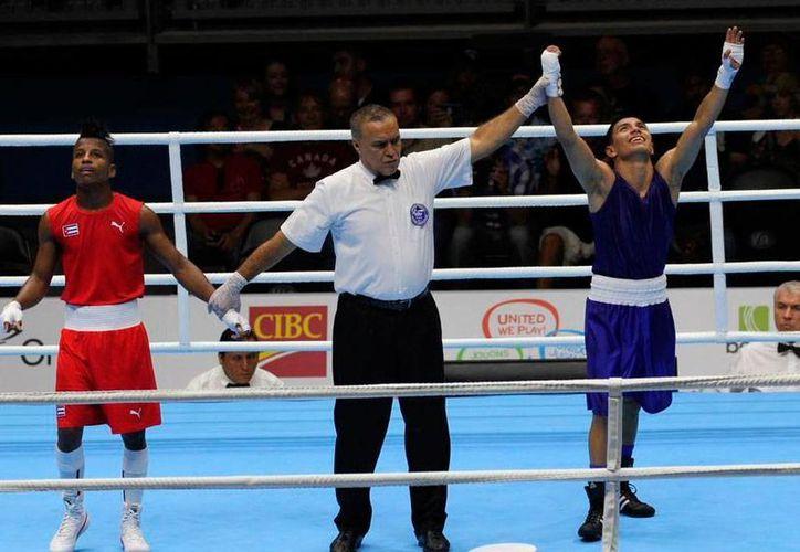 Al igual que lo hizo hace 4 años en los Juegos Panamericanos celebrados en México, ho yel boxeador mexicano Joselito Velázquez volvió a ganar el oro, en la final de box de peso minimosca. (Twitter/info7.mx)