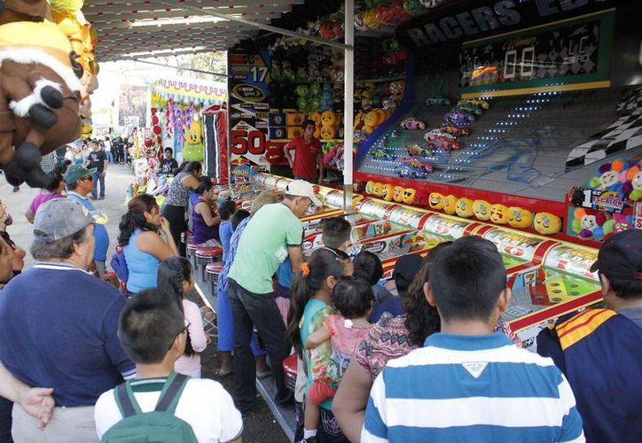 Aspecto del último lunes de feria en X'matkuil, donde como cada año se dan cita miles de familias yucatecas y de otras partes del país e incluso del mundo. (Foto: Cortesía)