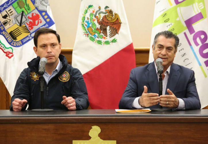 Jaime Rodríguez Calderón informa que el Estado asume el control de Policía de Monterrey. (Foto: Twitter)