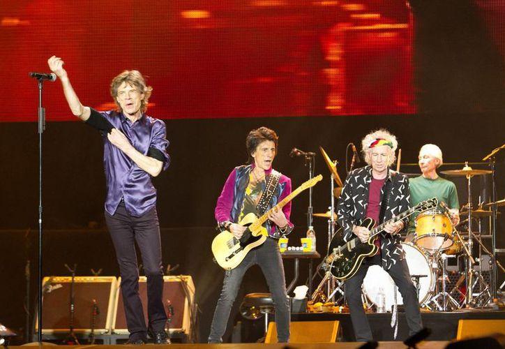 Los Rolling Stones ofrecieron un explosivo concierto con más de 60 mil asistentes. (Imágenes de Notimex)