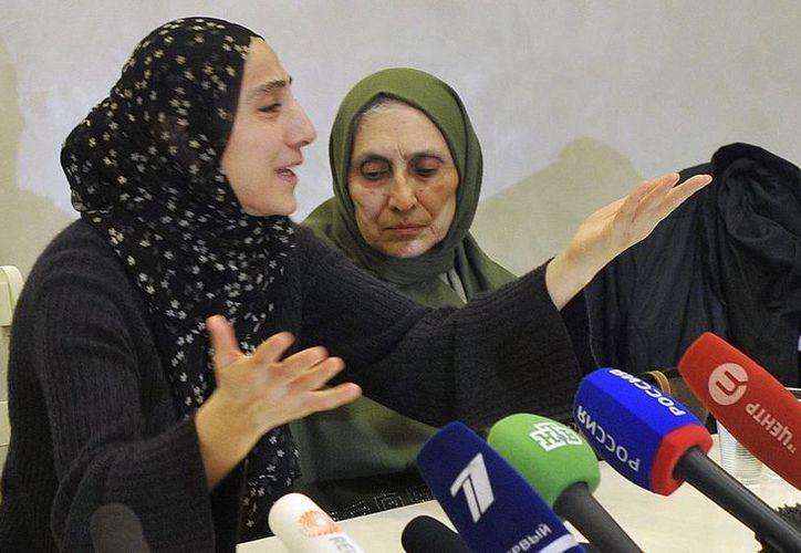 Zubeidat Tsarnaeva, la madre de los hermanos sospechosos de los ataques del pasado 15 de abril en la maratón de Boston. (EFE)