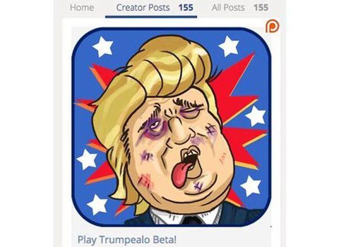 En el videojuego denominado 'Trumpealo el político güero' intenta salir de un estrado para no ser molestado pero los jugadores le lanzan zapatos y otros objetos. (Especial)