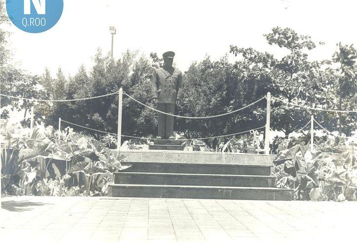 El monumento guarda en su base las cenizas del fundador de la Payo Obispo, hoy Chetumal. (Foto: Joel Zamora/SIPSE).