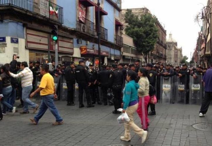 Durante el desalojo de integrantes de la CNTE del Zócalo previo al Grito hubo varias personas detenidas. (Agencias/Foto de archivo)