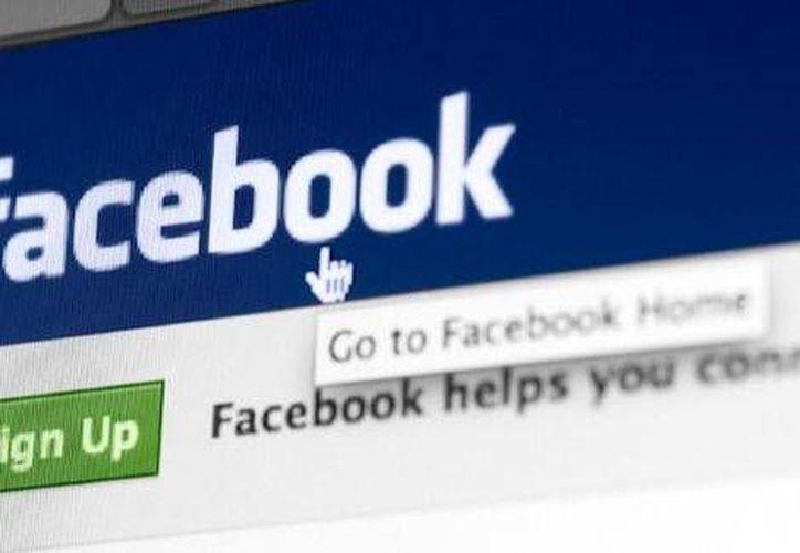 El fundador de Facebook, Mark Zuckerberg, agradece a sus clientes ser parte del 'asombroso viaje'. (Especial)