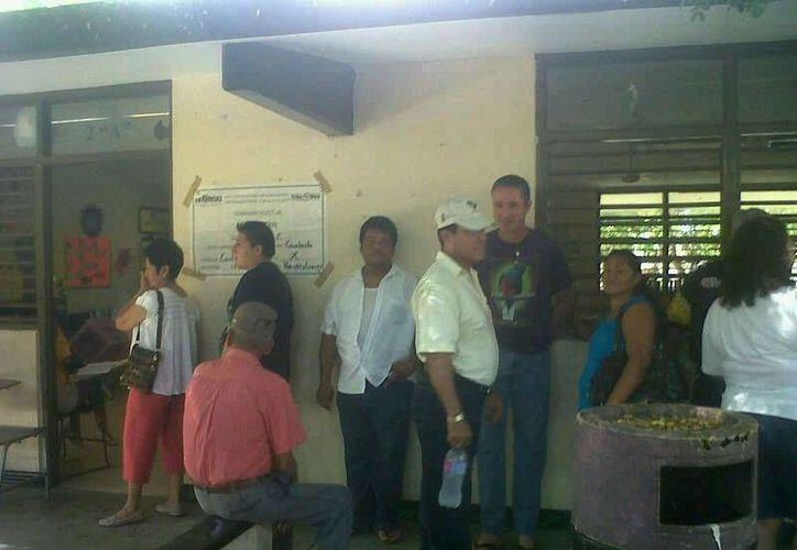 La sección 166 y 156 del Distrito X, reporta calma en el proceso electoral. (Alejandra Galicia/SIPSE)