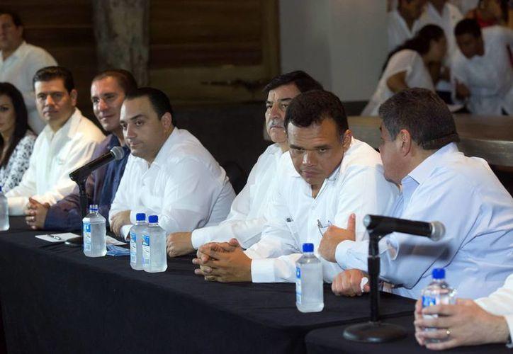 Funcionarios como el gobernador de Yucatán, Rolando Zapata, hablaron sobre la importancia de la competitividad en turismo.
