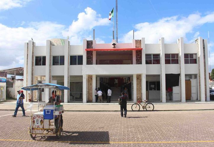 Apenas hace unos días el mismo juzgado desechó algunos recursos promovidos por los ex funcionarios, dos de ellos continúan ocupando cargos en la actual administración municipal. (Joel Zamora/SIPSE)