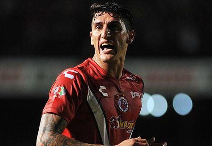Gabriel Peñalba del Veracruz fue expulsado durante el partido contra Chivas por fingir una falta, por lo que se perderá la jornada dos de la Liga MX. (Archivo Mexsport)
