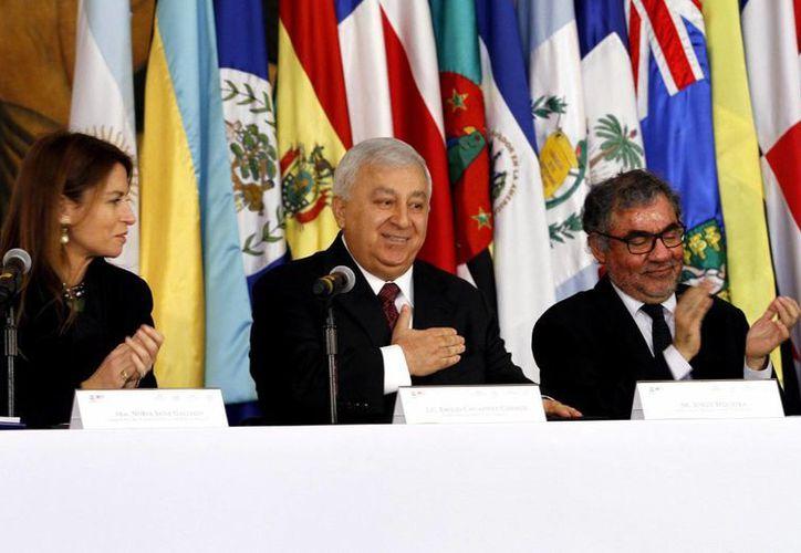 """El titular de la SEP, Emilio Chuayffet, encabezó el lanzamiento regional del """"Informe Internacional sobre el Seguimiento de la Educación para Todos 2013 2014"""", en la Ciudad de México. (Notimex)"""