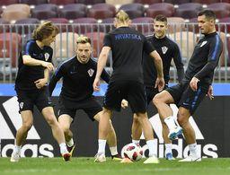Más viajes de Francia vs más esfuerzo de Croacia