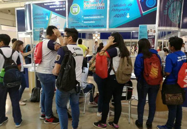 Cerca de 15 mil egresados de bachillerato aspiran a continuar su formación académica, principalmente en escuelas públicas. (SIPSE)