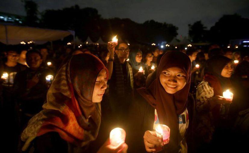 Mujeres se unieron a la Hora del Planeta en Yakarta, Indonesia. (Agencias)