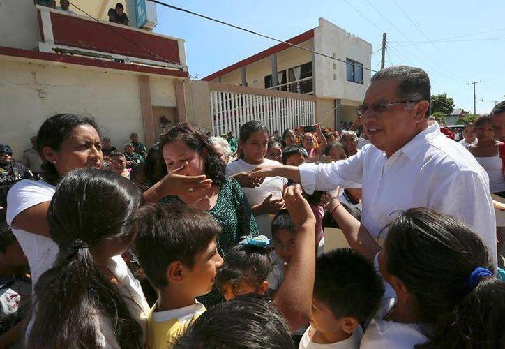 A Flavino Ríos le quedan 15 días como gobernador interino de Veracruz, cargo que le fue dado después de que Javier Duarte pidierá licencia. (facebook.com/Flavino.Rios)