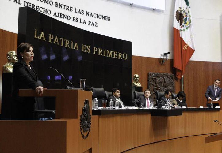 La secretaria de Desarrollo Social, Rosario Robles, durante su comparecencia ante el Senado. (Notimex)