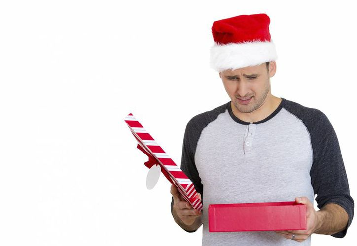 Antes de dar un regalo en esta Navidad es importante conocer algunos de sus gustos y tratar de sorprenderlo. Sino puedes hacerlo pasar un mal rato. (Imagen tomada de planenoti.com)