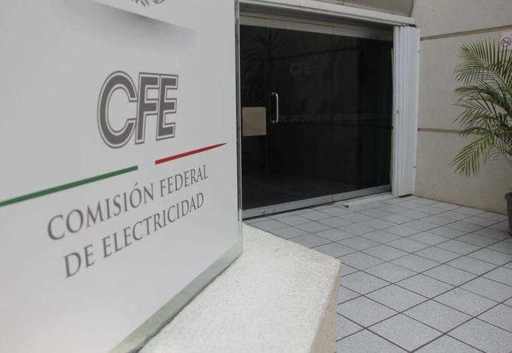 Los incrementos en la electricidad, colocan en una situación difícil al sector empresarial de Yucatán. (SIPSE)