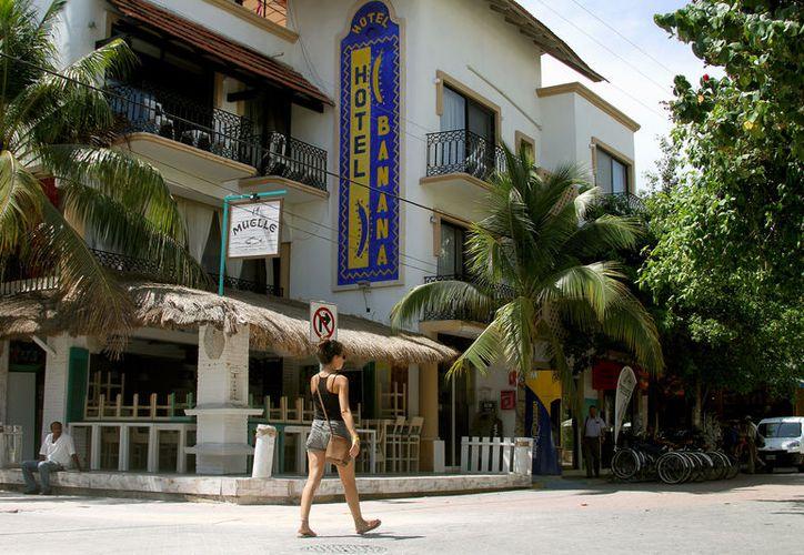 Los hoteles de Playa del Carmen cobran el derecho de saneamiento ambiental. (Adrián Barreto/SIPSE)