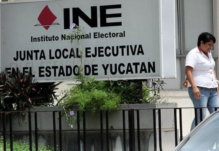 INE informa que solo cuatro de los 25 aspirantes a candidatos han cumplido con el proceso. (SIPSE)