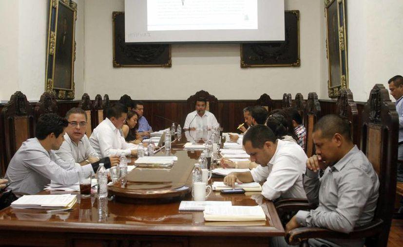 Ayer se efectuó la última sesión extraordinaria de Cabildo de la administración municipal 2012-2015. (Milenio Novedades)