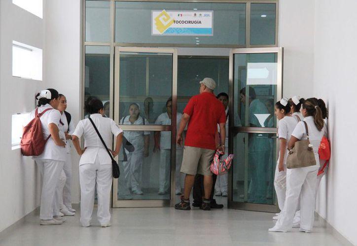 El lugar cuenta con 364 camas de atención, en beneficio de alrededor de 500 mil personas. (Luis Soto/ SIPSE)