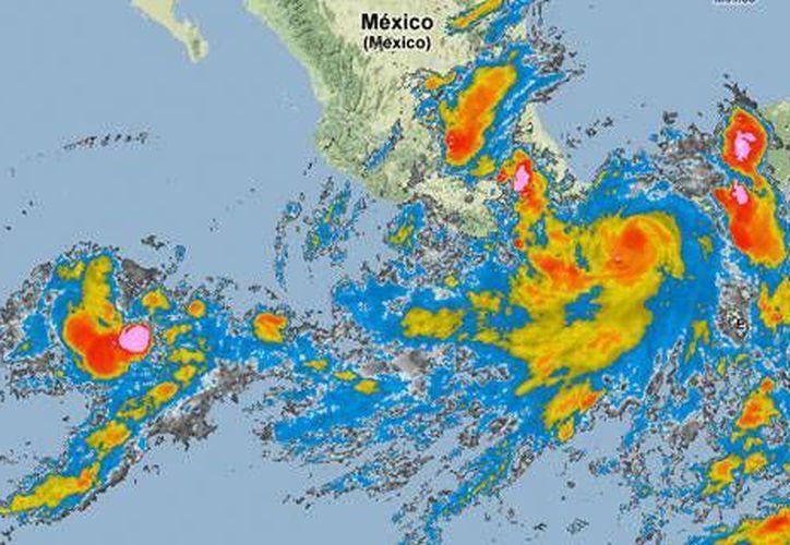Imagen de satélite de la Comisión Nacional del Agua, que muestra las bandas nubosas de Bárbara abarcando todo el Sureste.