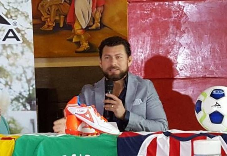 Este martes, en Guadalajara Jalisco, el futbolista Miguel Sabah anunció su despedida del futbol después de un semestre donde no tuvo participación con el León. (Imagen de Twitter: @medranoazteca )