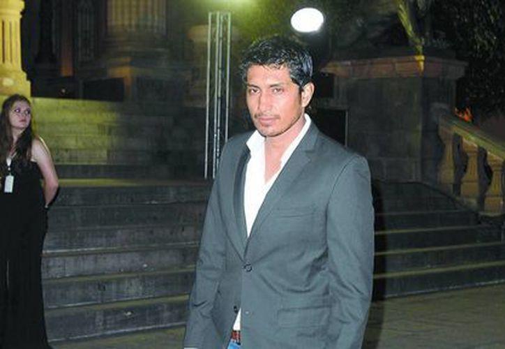 El actor mexicano ayuda con su experiencia a los nuevos cineastas. (Milenio)